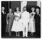 Wedding Photo with family, 1954. Courtesy of the Hobby family.